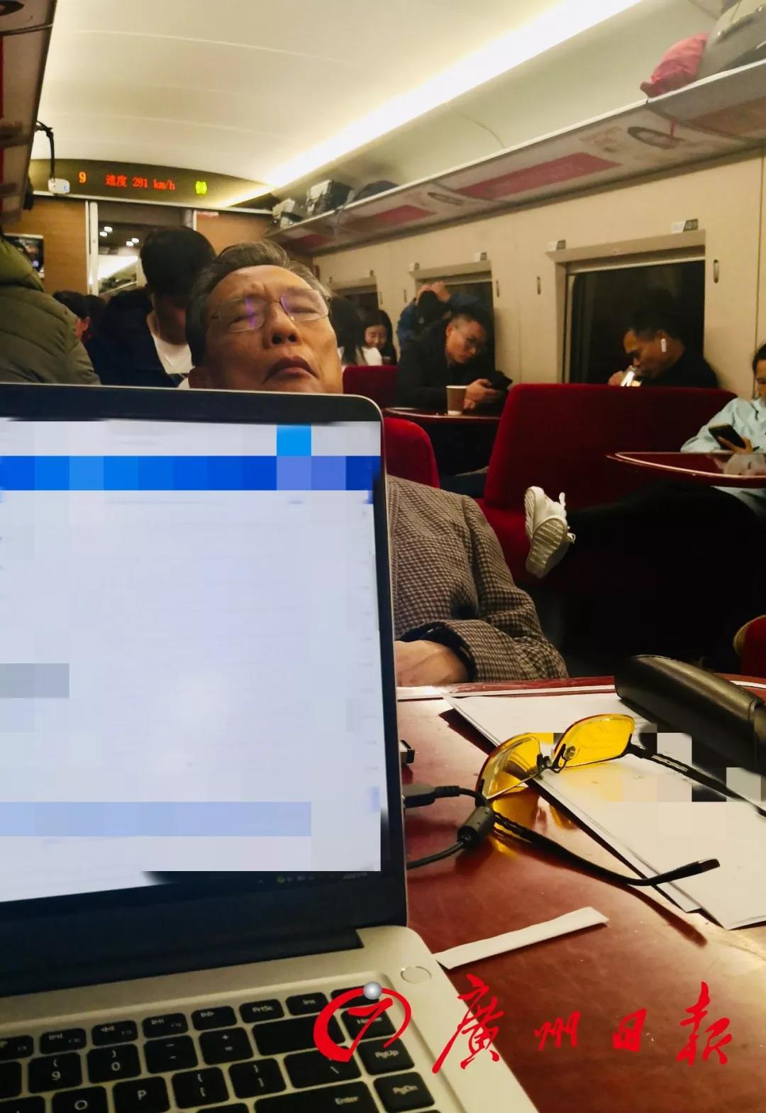齐齐哈尔小我私人衡宇出租:84岁钟南山再战防疫最火线 两张照片让人肃然起敬