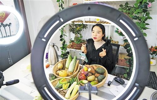 """山东平邑打通农村物流""""最后一公里"""""""