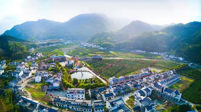 陕西平利县:处处皆景美如画 乡村旅游变富了