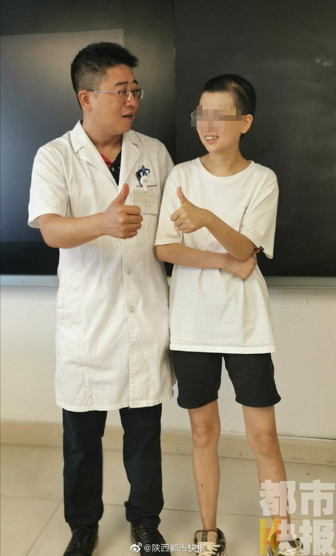 医生:24岁女孩患帕金森病 医生使用脑起搏器手术治疗助她恢复正常