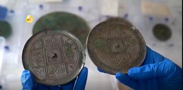 陕西西咸新区出土80多件汉代铜镜!纹饰清晰 光可鉴人