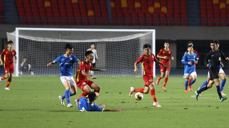 十四運會足球(西安賽區)測試賽舉行 8支球隊參賽
