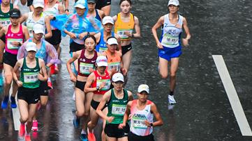 云南选手张德顺夺得十四运会田径女子马拉松冠军