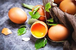 血脂高 蛋黄每天吃半个