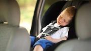 夏季切勿把孩子锁车内