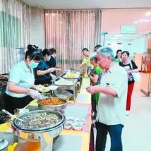 西安首家酒店式老年餐廳開業