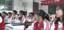 [蓝田]语文老师读诗点名 00后学生直呼:爱了 爱了